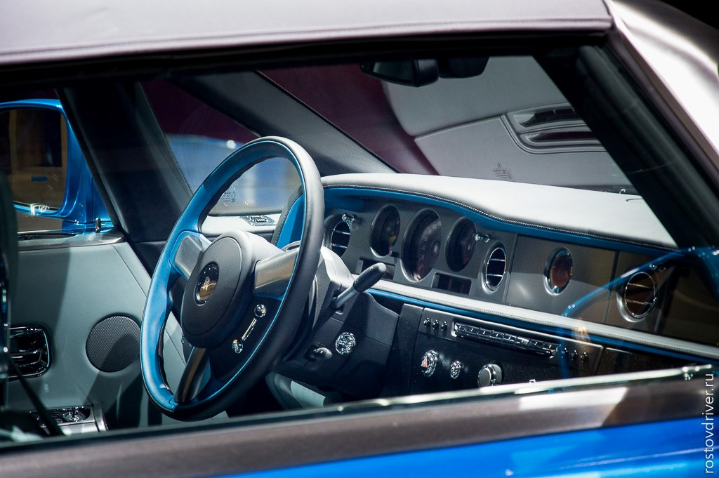 Салон The Rolls-Royce Phantom Drophead Coupe Waterspeed Collection